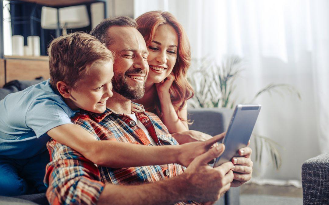 Genitori, i funamboli del digitale